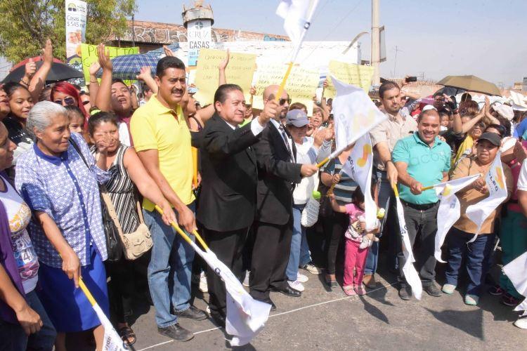 Arranque a la obra de pavimentación de la calle Acapulco