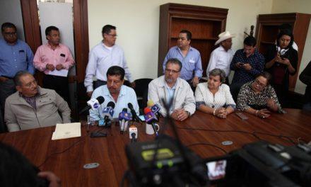 Oscar Bautista Villegas ha solicitado licencia