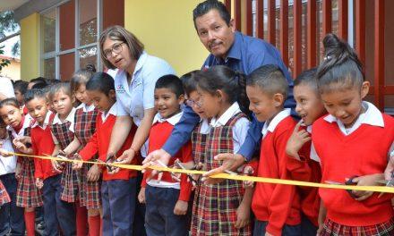 RGJ entrega aula y un comedor educativo