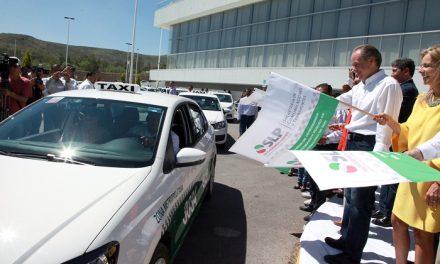 Entrega de 840 concesiones de taxis