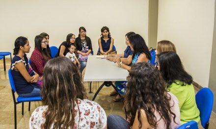 UASLP entrega becas a madres solteras