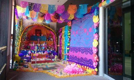 Tradicional Altar de Muertos en el Congreso