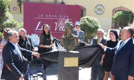 Se develó el busto de la actriz Lupe Vélez