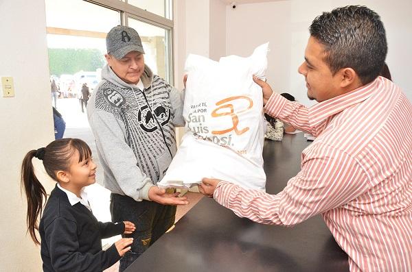 Entrega del programa Alimentario de SLP