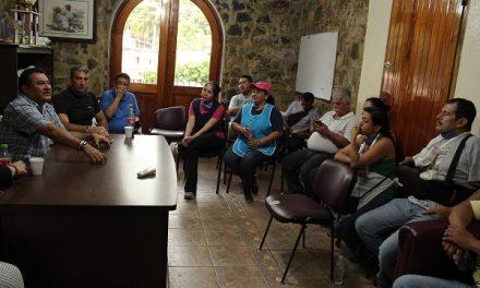 Sostiene reunión con comerciantes afectados: BOL