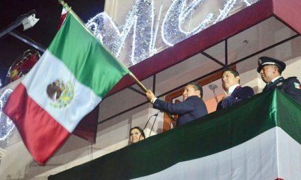 Alcalde encabeza festejos patrios