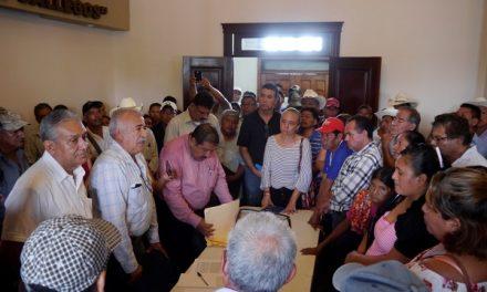 Atención a campesinos de la Huasteca