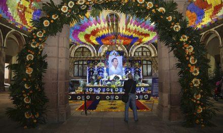 Altar de muertos en honor a Joaquín Arias