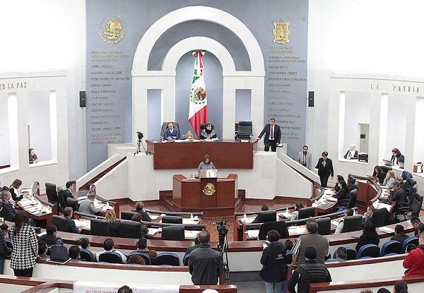 Sesión en el Congreso del Estado