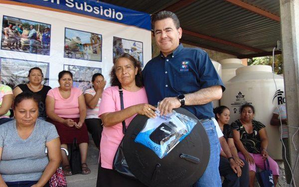 Tinacos a comunidad de San José de Gallinas