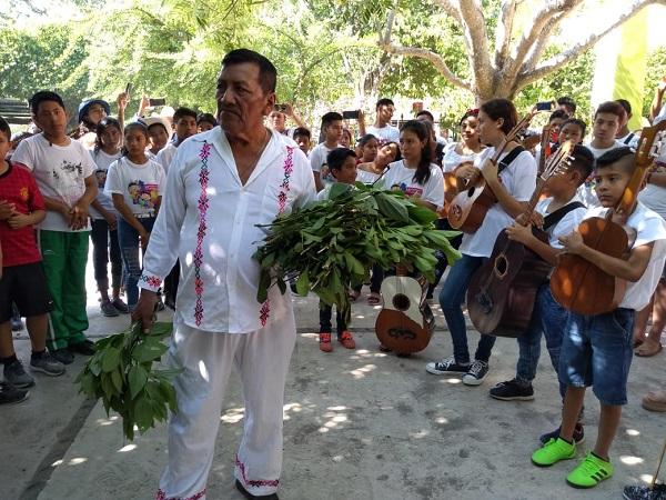 Encuentro de Niños y Jóvenes Huapangueros