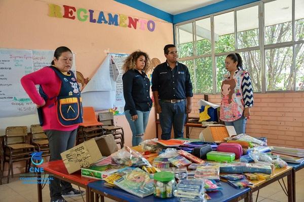 Entregan útiles escolares en Mexquitic