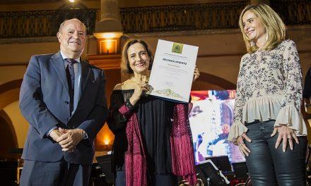 UASLP reconoce trayectoria de Diana Bracho