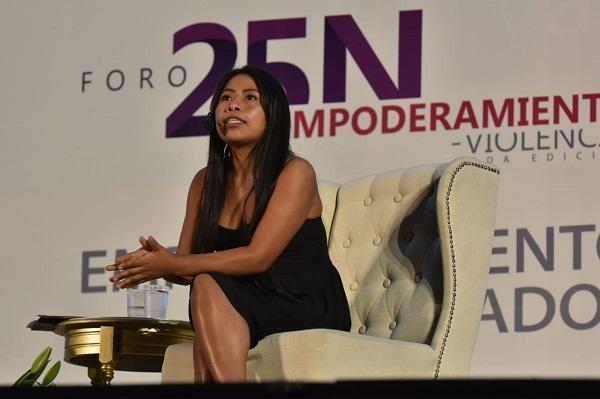 Yalitza Aparicio da conferencia en SLP
