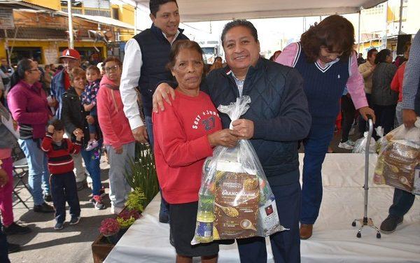 Entrega del Programa Alimentario en Pavón