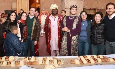 Ayuntamiento Capitalino celebra Día de Reyes