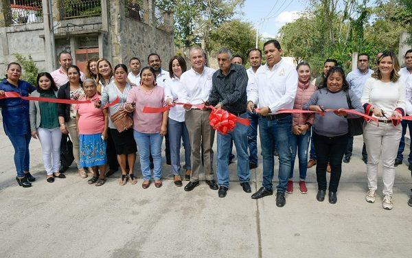 Gobernador realiza gira de trabajo en Axtla