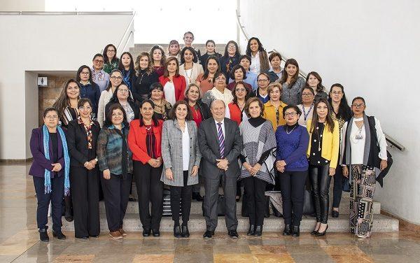Encuentro de Mujeres Universitarias con el Rector