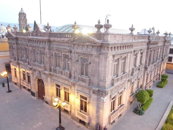 EXPOSICIÓN DEL PUEBLO WIXÁRITARI-HUICHOLES