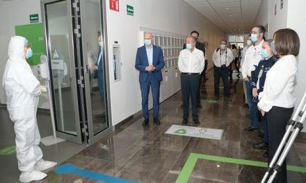RECIBEN DONATIVO DE EQUIPO MÉDICO DE BMW