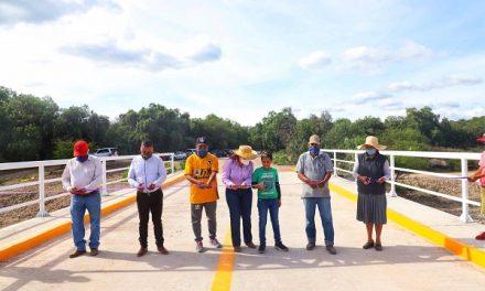 Concluye obra de puente peatonal y vehicular
